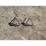 Minimalist Geometrik Üçgen Küpe