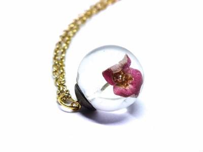Pembe Çiçekli Küre Kolye