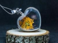 Turuncu Çiçekli Yaşayan Kolye